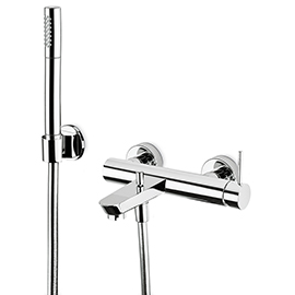 Complete bath group with fixed shower holder, flexible, brass hand shower.